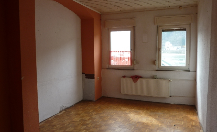 Wohnzimmer mit Blick auf den Rhein