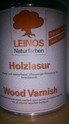 Dose mit der Aufschrift Leinos Holzlasur