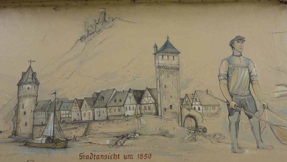 Rheinfront St. Goarshausen, Rheinufer und Häuserreihe zwischen zwei Stadttürmen