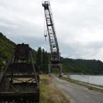 Historischer Portaldrehkran am Rheinufer