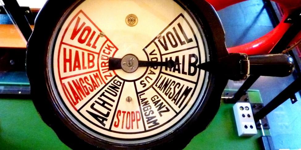 Maschinentelegraf, ein historisches Gerät aus der Schifffahrt
